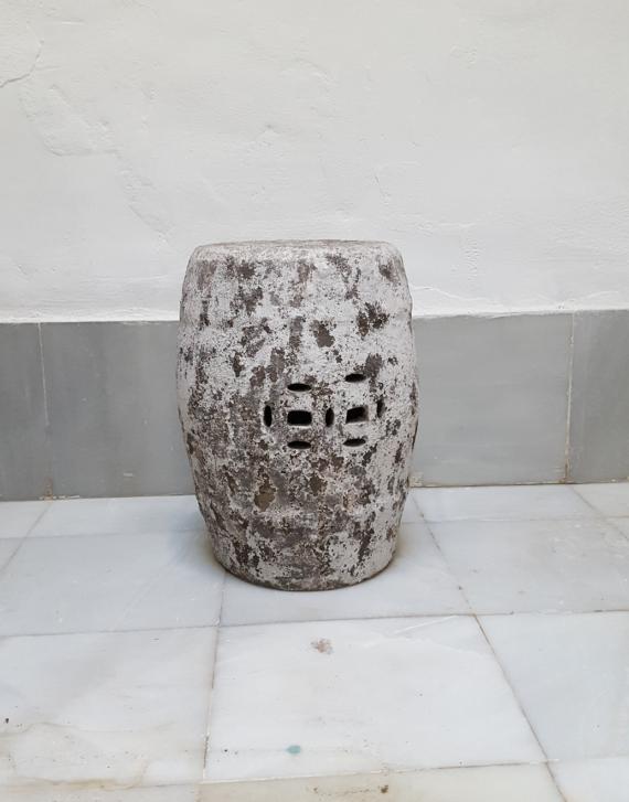 taburete-piedra-gris-decapado1